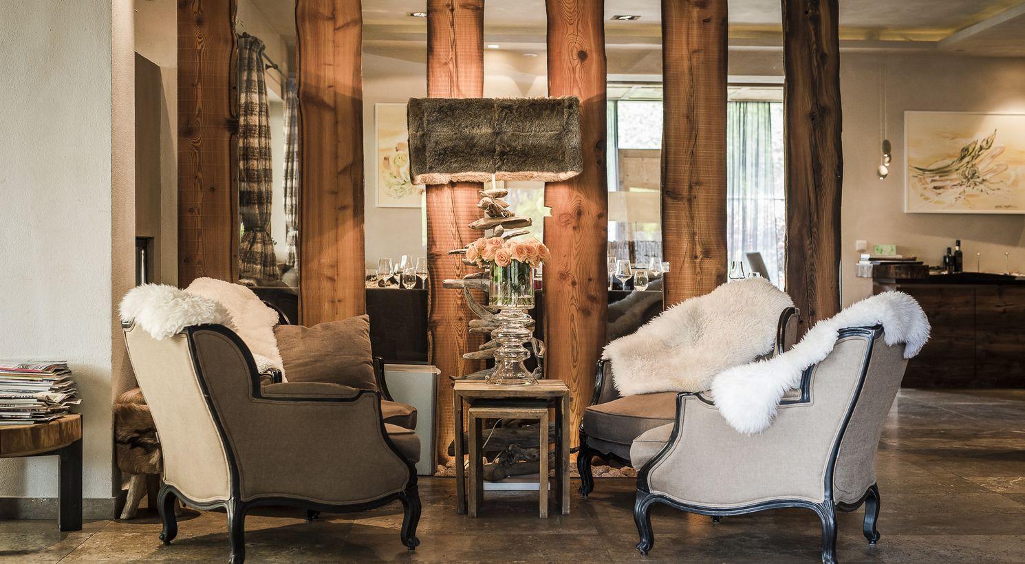 wohlf hlambiente im hotel restaurant kirchsteiger v llan. Black Bedroom Furniture Sets. Home Design Ideas